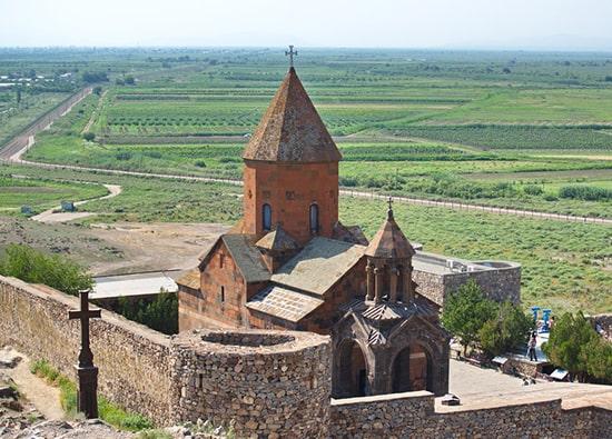 Монастырь Хор Вирап - подножье горы Арарат: экскурсии по Армении из Еревана