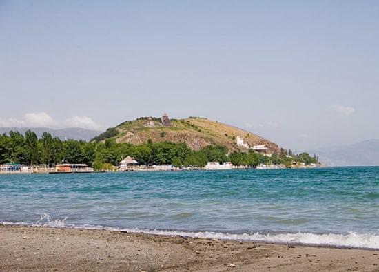 Пресноводное Озеро Севан - монастырь Севанаванк: экскурсии по Армении из Еревана