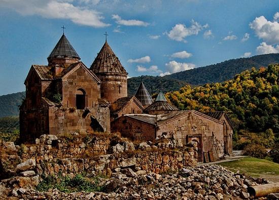 Озеро Севан (монастырь Севанаванк) - г.Дилижан (монастыри Агарцин, Гошаванк): экскурсии по Армении из Еревана