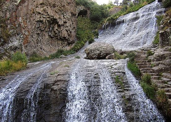 Экскурсии по Армении из Еревана: Монастырь Хор Вирап - монастырь Нораванк - село Арени (дегустация вин) - г.Джермук