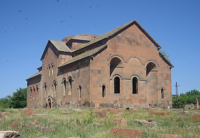 Daily tour, one day trip: Aruchavank - The Cathedral of Talin - Gyumri - Sev Berd - Harichavank